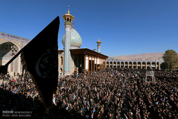 Huge gathering of Arbaeen mourners in Shah Cheragh mosque