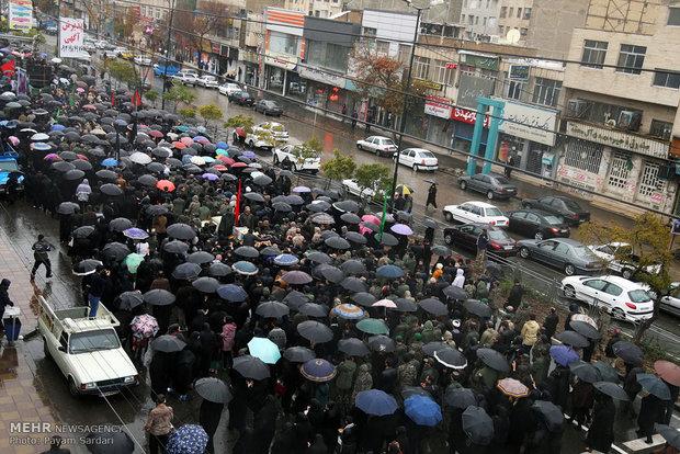 1928396 حضور پرشور جوانان در پیادهروی اربعین پایتخت/ تهران گریست