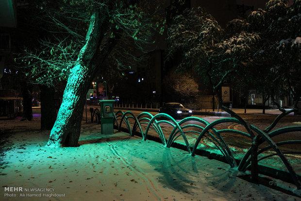 Autumn snow covers Tabriz