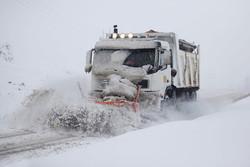 پیش بینی افت شدید دما در آذربایجان غربی/راه ۳۰ روستا مسدود است