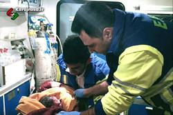 نوزاد پسر در آمبولانس اورژانس روستای «هشنیز» پارسیان به دنیا آمد