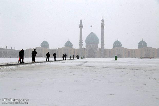 Snowy day in Qom