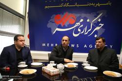 علی مرادی رئیس فدراسیون وزنه برداری حسین توکلی مربی تیم ملی وزنه برداری