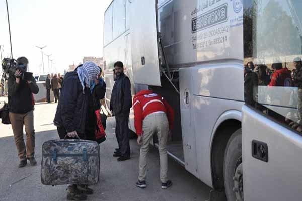 فلم/ حمص کے ایک علاقہ سے مسلح افراد کا خروج
