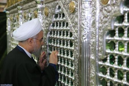 رییس جمهوری به زیارت مرقد مطهر امام رضا (ع) مشرف شد