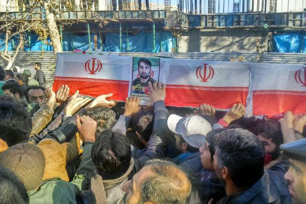 تشییع پیکر شهید مدافع حرم علی صرافی در شاهرود