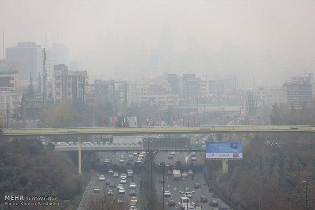 تعطيل المدارس في العاصمة طهران بسبب تلوث الهواء