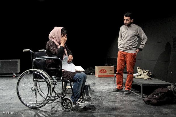 نقد «بهمن» توسط کانون ملی منتقدان تئاتر