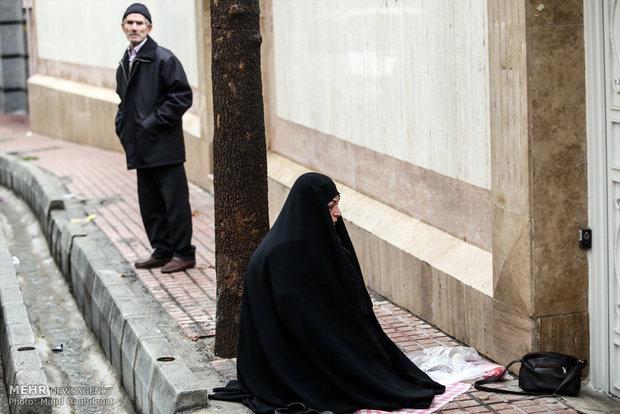 تجمع اهالي طهران امام السفارة النيجيرية