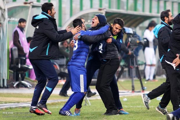 """تتويج فريق """"استقلال خوزستان"""" بكأس الدوري الإيراني لكرة القدم"""
