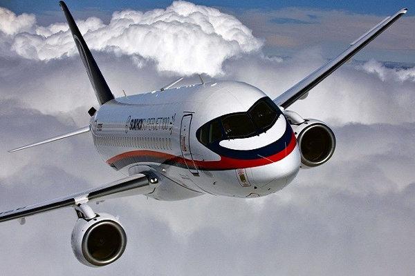 فرود اضطراری یک هواپیمای مسافربری در سن پترزبورگ