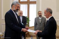تقدیم رونوشت استوار نامه سفرای جدید به قائم مقام وزیر خارجه