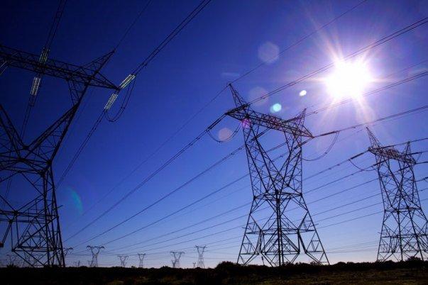 تبدیل ۱۳ هزار متر سیم برق به کابل برای پیشگیری از سرقت