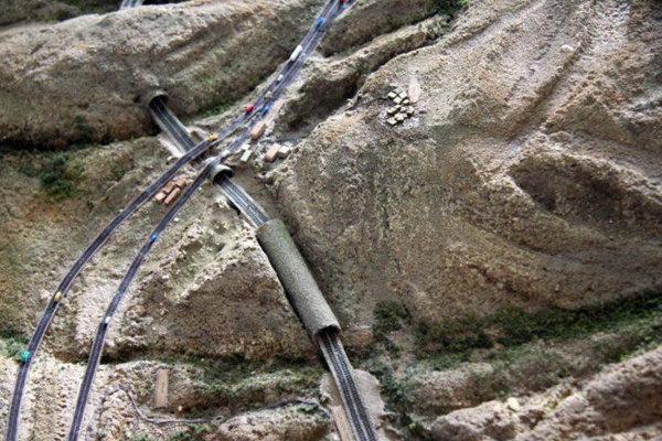راهآهن میانه - بستان آباد اواسط آبان امسال به بهرهبرداری میرسد