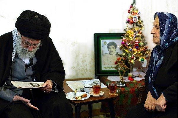رہبر معظم انقلاب اسلامی کی عیسائی شہداء کے اہلخانہ سے ملاقات