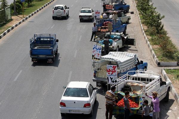 سلامت شهری زیر چرخ وانتی ها/ سوداگری کرونا در روز بازارهای بیرجند