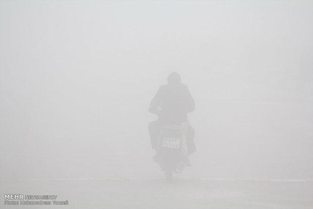 ترافیک پرحجم و روان در اتوبان قم/مهگرفتگی در جاده چالوس