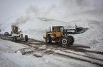 برف جاده چالوس را مسدود کرد/ تلاش برای بازگشایی