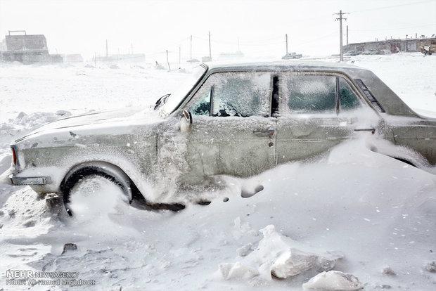 یوکرائن میں شدید برفباری سے معمولات زندگی درہم برہم