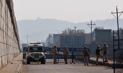 ہندوستان میں پٹھان کوٹ ایئر بیس پر حملے میں 4 دہشت گرد اور 2 اہلکار ہلاک