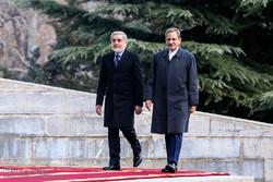 استقبال رسمی جهانگیری از عبدالله عبدالله