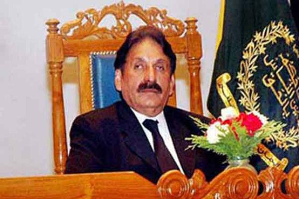 افتخار چوہدری کا نواز شریف کے اثاثوں کی تفصیلات کے لیے الیکشن کمیشن سے رجوع