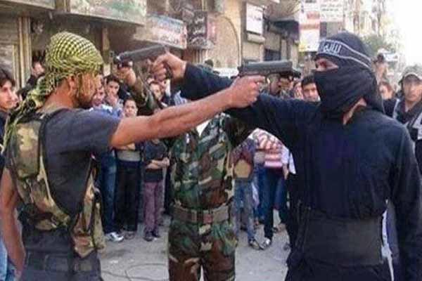 ABD'nin Suriye'de desteklediği gruplar birbiriyle çatışıyor