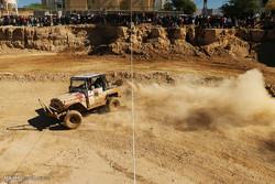 مسابقات اتومبیل رانی آفرود در فرخ شهر برگزار شد