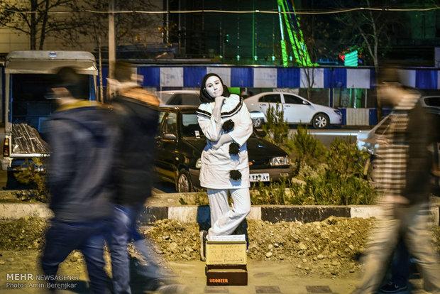 عکس گردشگری عکس دختر توریست عکس توریستی جهانگردی اخبار گردشگری pierre statue
