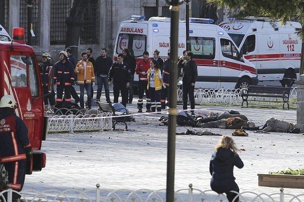 قتلى وجرحى بتفجير هز ميدان السلطان أحمد باسطنبول
