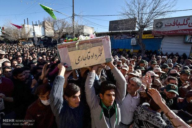 مراسم تشییع پیکر ۹۴ شهید گمنام دوران دفاع مقدس در شیراز