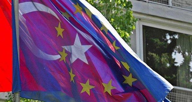 كاميرون: انضمام تركيا للاتحاد الأوروبي لن يتم قبل عقود