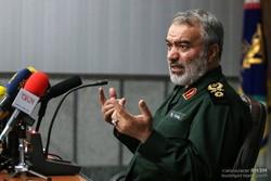 الأدميرال فدوي: الشعب الايراني سجل أروع ملاحم البطولة ضد الاستكبار