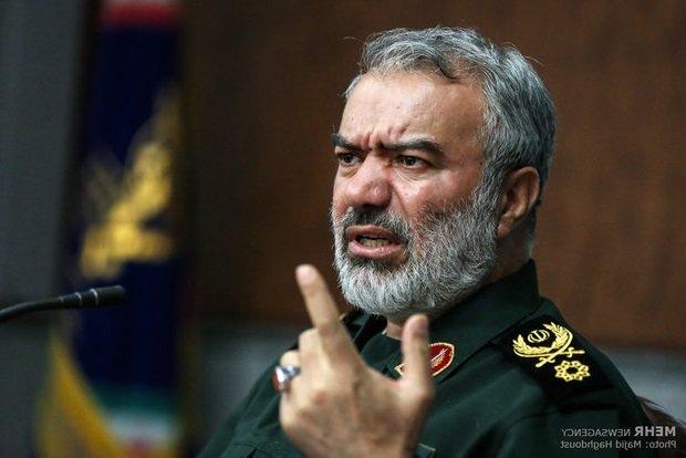 الاميرال فدوي : لا تمتلك اي دولة جرأة توقيف السفن الامريكية باستثناء ايران