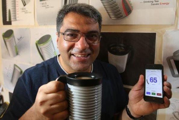 باحث ايراني يخترع كوباً ذكياً يشحن الهاتف المحمول