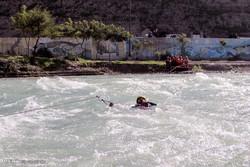 مسابقه شنای آبهای خروشان در مریوان برگزار می شود