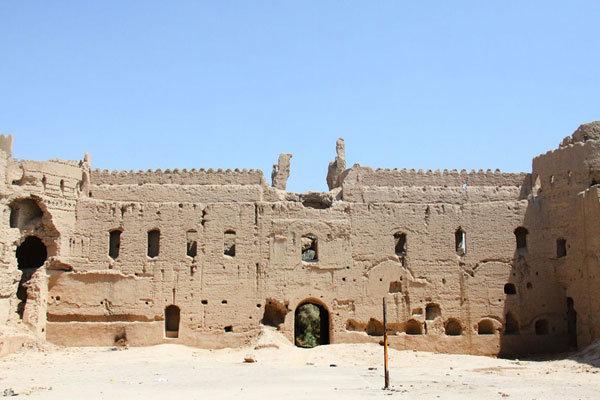انتقاد از تخریب تنها بافت طبقاتی کویر یزد/ هیچ کس به فکر نیست!