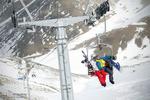 اتفاقی عجیب در پیست بینالمللی ایران/ ۷۰ اسکی باز روی هوا ماندند!