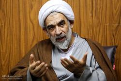 تاریخ شفاهی ایران و انقلاب برای انتقال به جهانیان ترجمه شود