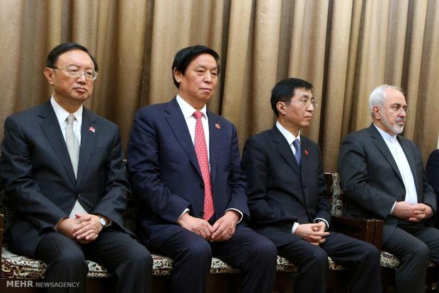 لقاء رئيس جمهورية الصين مع قائد الثورة الاسلامية