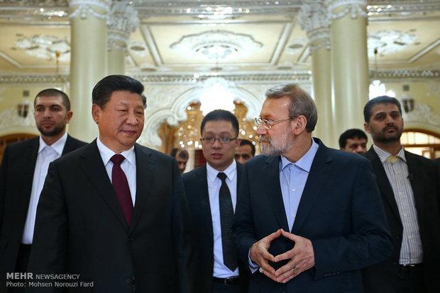 الرئيس الصيني يلتقي رئيس مجلس الشورى الاسلامي