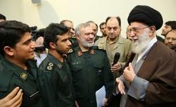 قائد الثورة : عملكم كان شجاعا وفي الوقت المناسب وينم عن الإيمان