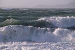 آسمانی ابری و بارش در سواحل دریای خزر/باد شدید در جنوب شرق کشور