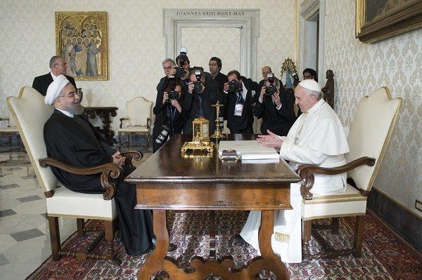 روحانی و پاپ فرانسیس کشورها رابه تلاش برای استقرار صلح فراخواندند