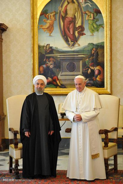 لقاء رئيس الجمهورية الاسلامية الايرانية وبابا الفاتيكان