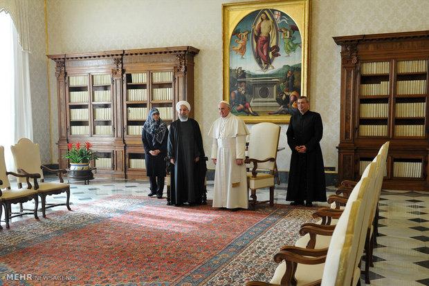 لقاء رئيس الجمهورية الاسلامية الايرانية وبابا الفاتيكان ورئيس وزرائه