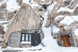 Heavy snow covers Kandovan village