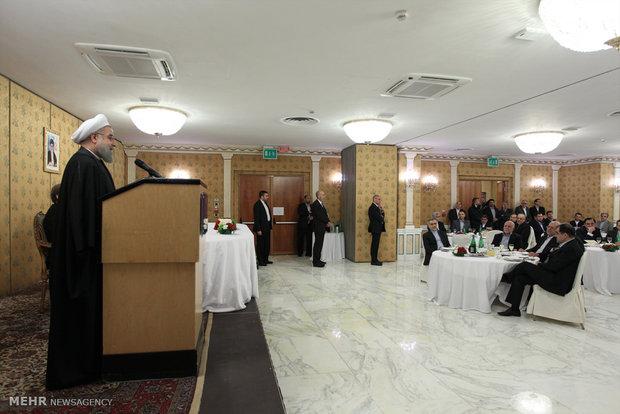 الرئيس روحاني يلتقي اعضاء  الجالية الايرانية في ايطاليا