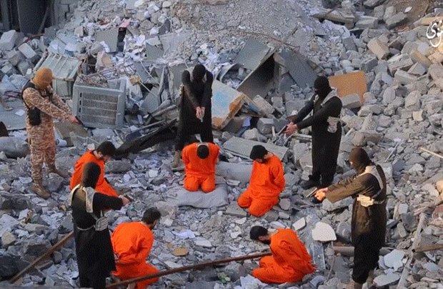 تنظيم داعش الارهابي يعدم 5 عراقيين بتهمة الارتداد
