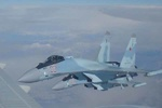 Russia's Su-35 chases off US F-22 fighter in Syria